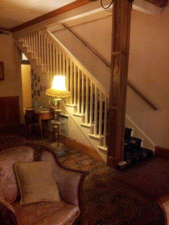 Americas Best Value Inn & Suites - Royal Carriage : Lobby