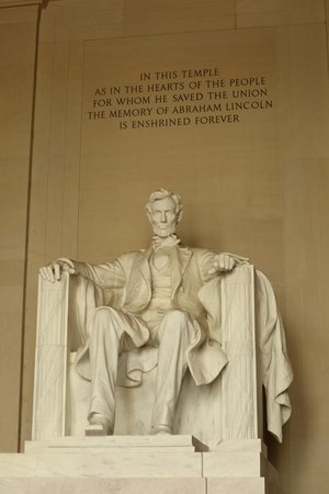 Lincoln Memorial et Reflecting Pool : Don't mess with Abe....