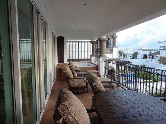 Grand Residences Riviera Cancun: Balcony/Terrace