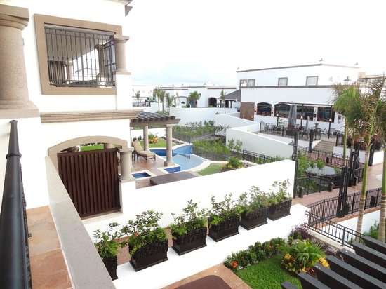 Grand Residences Riviera Cancun: Grounds