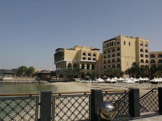 Shangri-La Hotel, Qaryat Al Beri, Abu Dhabi: отель