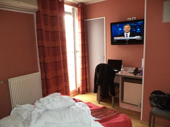 Moderne St-Germain Hotel: La habitación