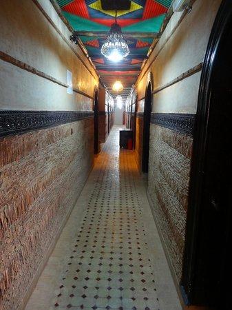 Hotel Lakasbah: Gang zu den Zimmern