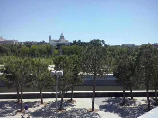 Vistas Maravillosas Desde La Terraza De Arriba Del Café