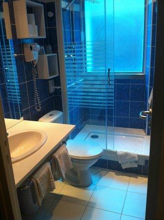 Hotel Le Monarque: Salle de bain 1