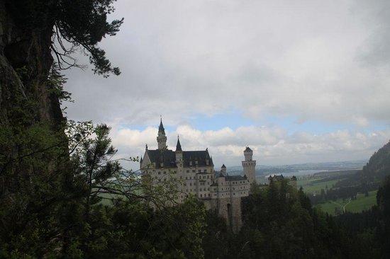 Castillo de Neuschwanstein: Вид с моста Мариен