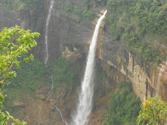 Nohkalikai Falls: view of Nohkalikai water falls