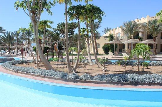 Tia Heights Makadi Bay: Территория отеля