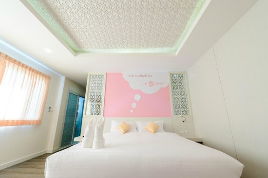 The Tint At Phuket Town: Tint Grand Deluxe: Bedroom