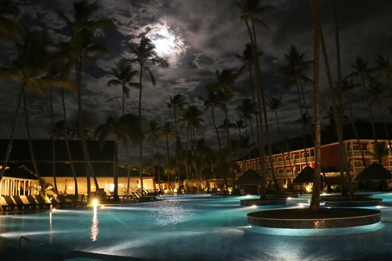 Barcelo Bavaro Beach - Adults Only: early morning with the moon still out above the pool