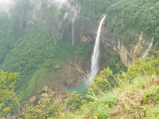 scenic view of  beautiful Nohkalikai falls