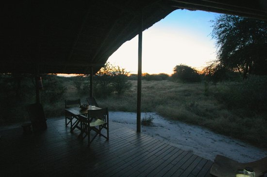 Haina Kalahari Lodge: Deck
