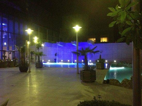 Adana Hilton SA: Hotel grounds