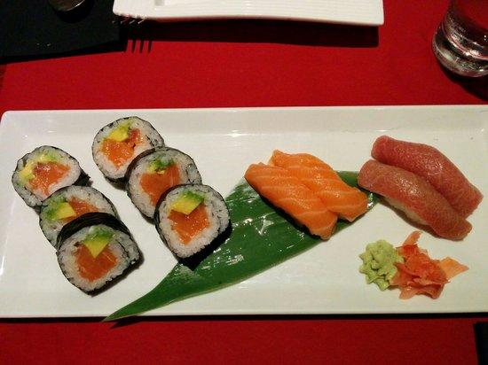 Restaurante Asako: Rolls and nigiri.