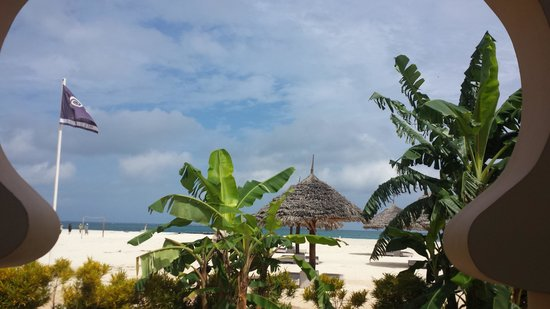 Gold Zanzibar Beach House & Spa: resort view from restaurant