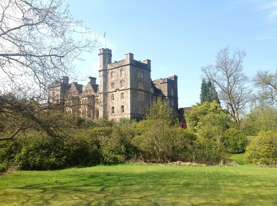 Inverlochy Castle Hotel: Views from the gardens of the hotel