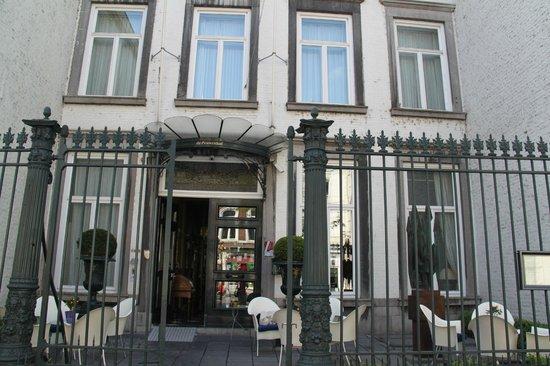 Hotel de Pauwenhof: Hotel entrance