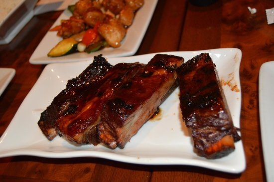 J.H. Yee's Asian Bistro: lots of meat on pork ribs