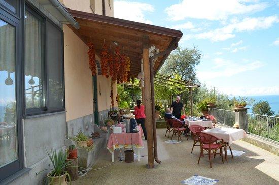 Rifugio degli Dei: Main terrace and eating area