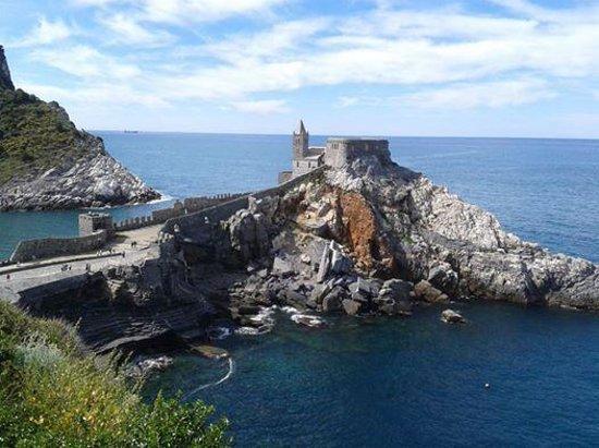 Portovenere : Chiesa di San Pietro e grotta di Lord Bayron!