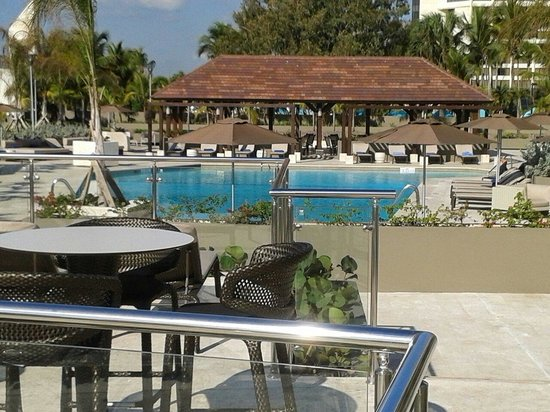 Sheraton Santo Domingo Hotel: Pool bar