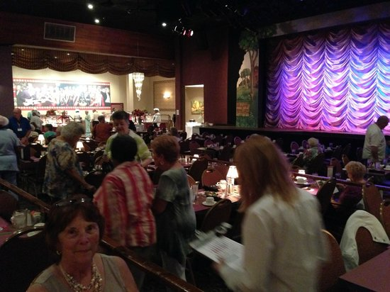 Broadway Palm Dinner Theatre: pic of stage and buffet prior to show