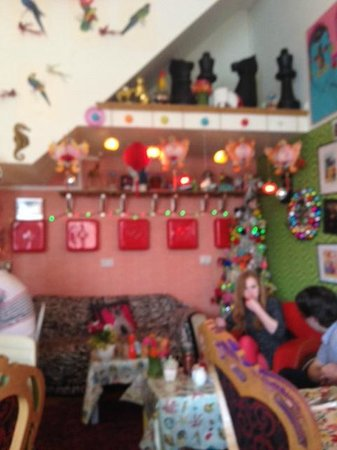 Foam Cafe and Gallery: Rest., decor.,