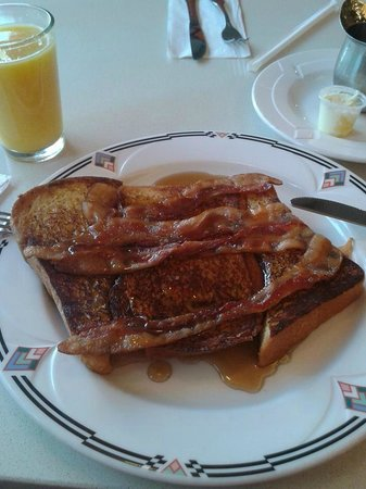 The Market Diner: french toast bacon and syrup! YUMMM!