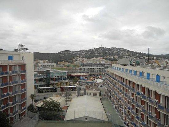 "Gran Hotel Don Juan : ""Горы Пиренеи с балкона номера"""