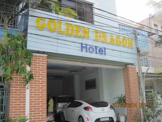 Golden Dragon Hotel: ФАСАД ОТЕЛЯ