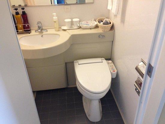Hotel Sunroute Higashi Shinjuku : Fancy Japanese toilet