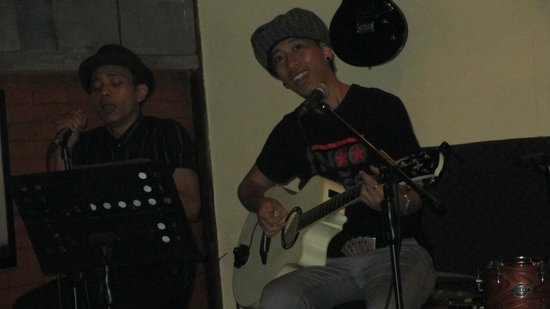 Capil Bar, Grill and Resto: Eby & Julius Acoustic Duo