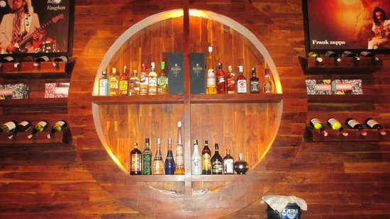 Capil Bar, Grill and Resto: The Bar