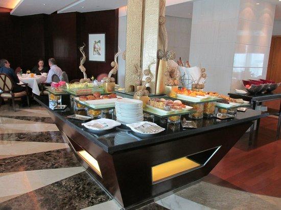 Pudong Shangri-La, East Shanghai: Завтрак в Horizon Club