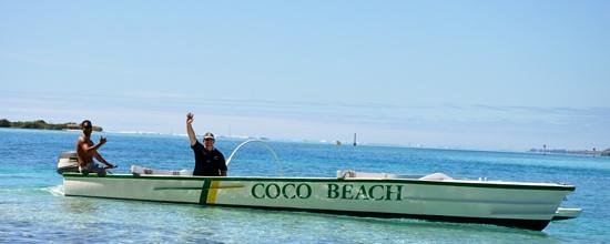 Taoahere Beach House : Boat rider with Alain when they dropped us off at the private Motu