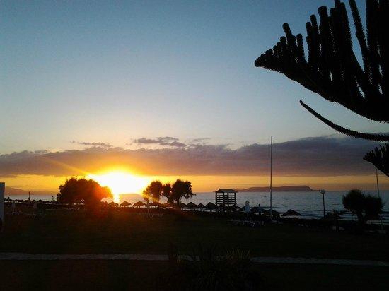 Lyttos Beach Hotel : Evening on the beach
