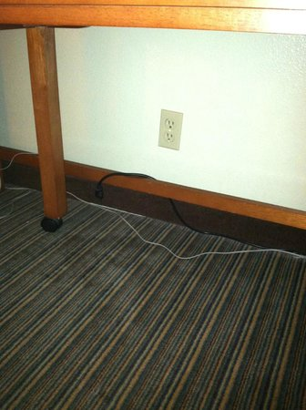 La Quinta Inn & Suites Savannah Southside: Oh that's why the lamp wasn't working...