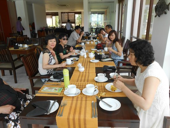 Mandara Resort: Enjoying the Lunch