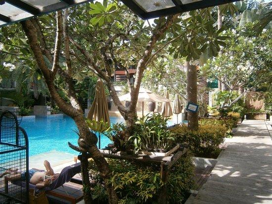 Burasari Resort: Pool view