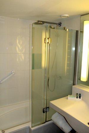 Novotel Glasgow Centre: Room 519 Bathroom
