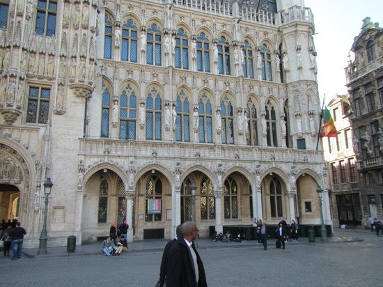 Grand Place/Grote Markt: View of Grand Place on Sunday 3