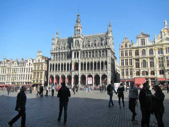 Grand Place/Grote Markt: View of Grand Place on Monday