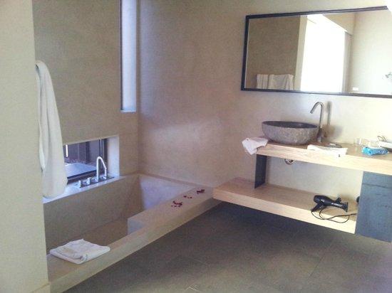 Hotel El Moli : Baño de la habitación
