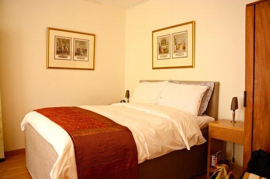 """Le Quartier Sonang: The room """"Chambre de Ville"""""""