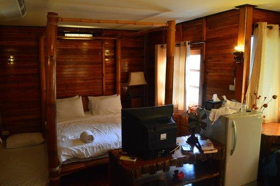 Ploy Guest House : Inside river cottage