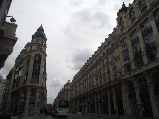Victoria Hotel: surrounding area