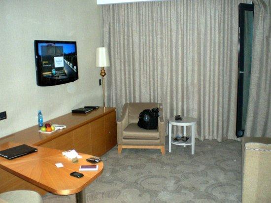 Bilgah Beach Hotel : TV corner