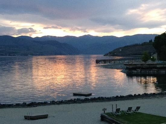 Campbell's Resort on Lake Chelan: best sunsets on Lake Chelan