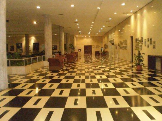 Tryp Habana Libre: Parte del hotel donde se muestran obras de arte