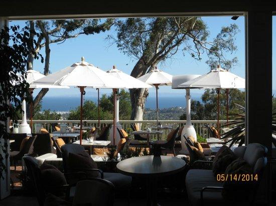Belmond El Encanto: Outdoor dining overlooking the ocean